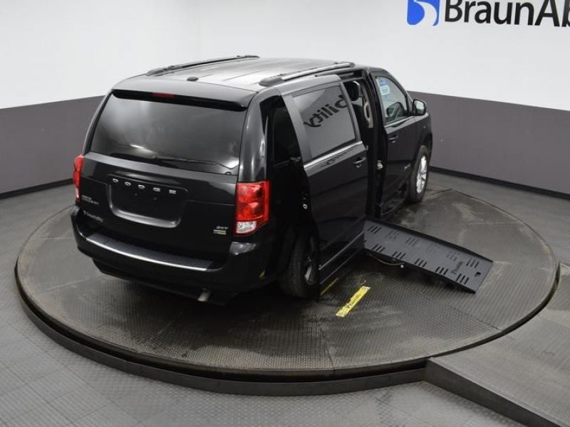 Black Dodge Grand Caravan image number 25