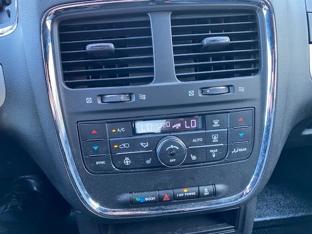 Gray Dodge Grand Caravan image number 22