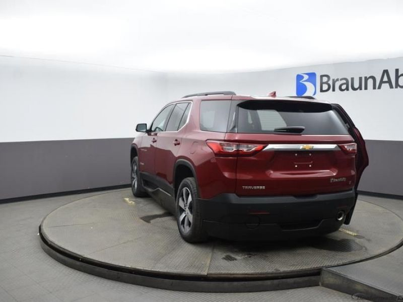 Red Chevrolet Traverse image number 5