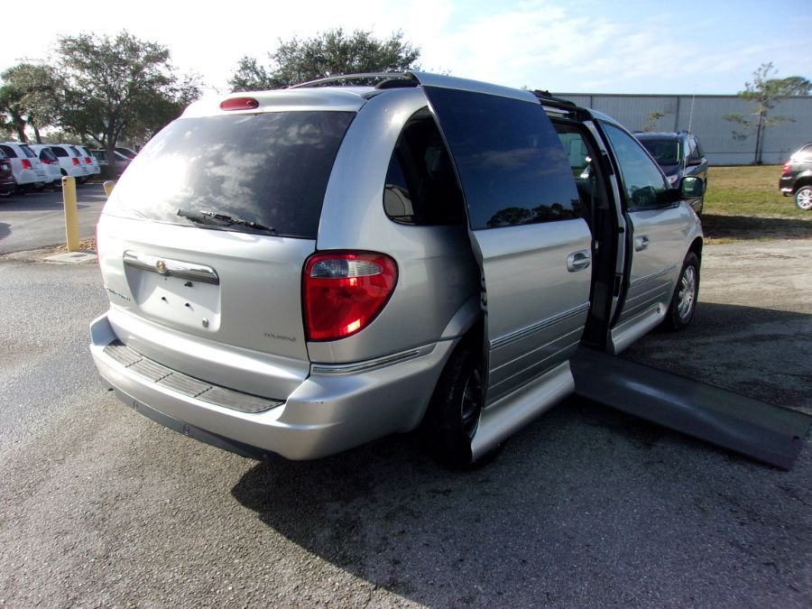 Silver Chrysler Town and Country image number 6