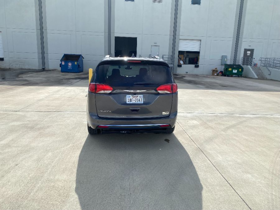 Gray Chrysler Pacifica image number 5