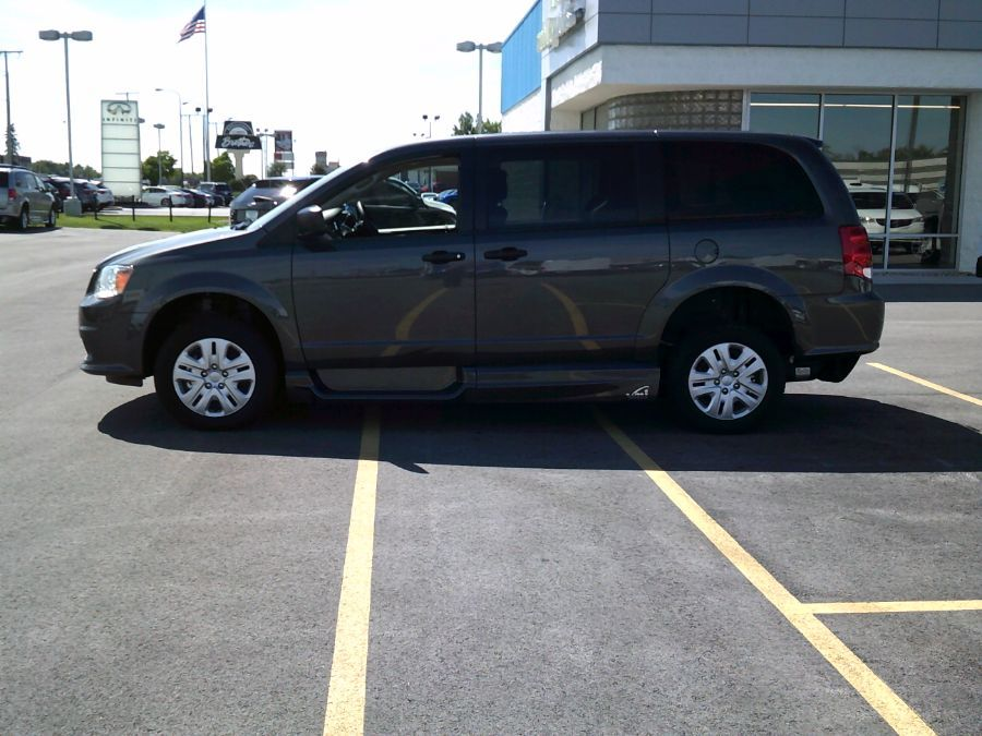 Gray Dodge Grand Caravan image number 2