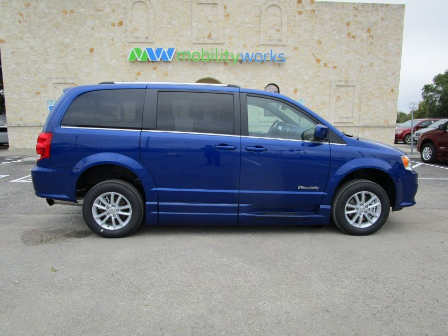 Blue Dodge Grand Caravan image number 8