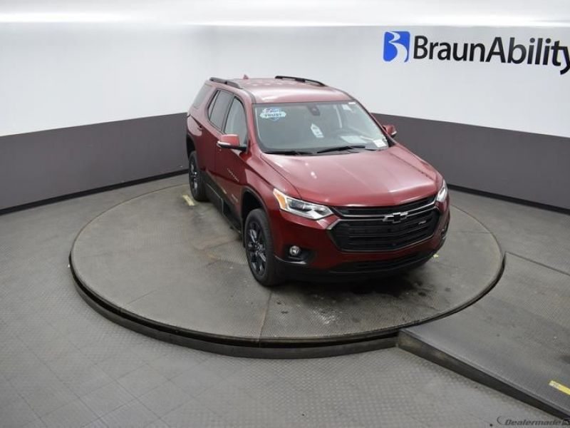 Red Chevrolet Traverse image number 18