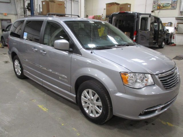 Silver Chrysler Town and Country image number 10