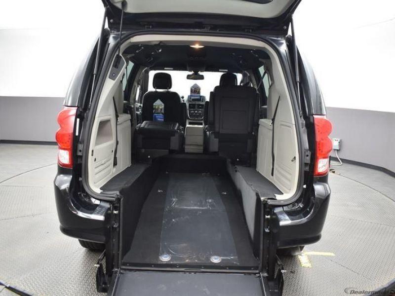 Black Dodge Grand Caravan image number 28