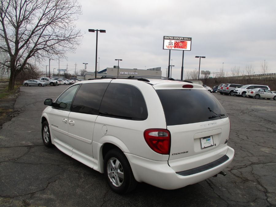 White Dodge Grand Caravan image number 5