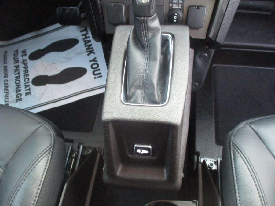 Black Ford Explorer image number 9