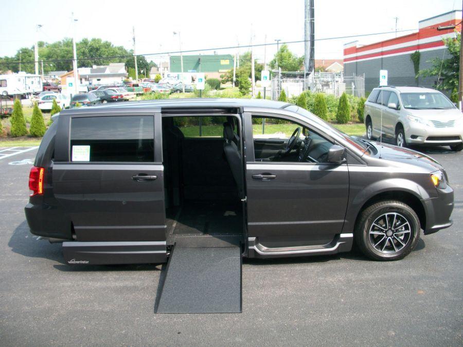 Gray Dodge Grand Caravan image number 7