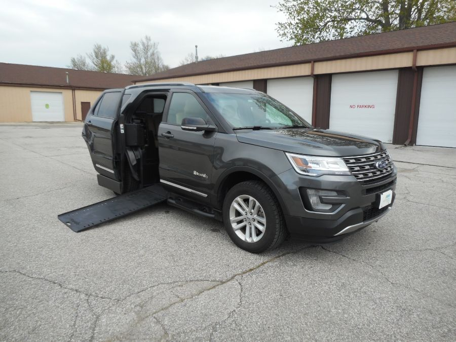 Gray Ford Explorer with Side Entry Automatic In Floor ramp