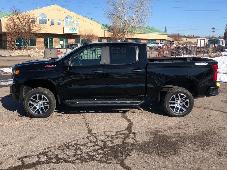 Black Chevrolet Silverado 1500 image number 3