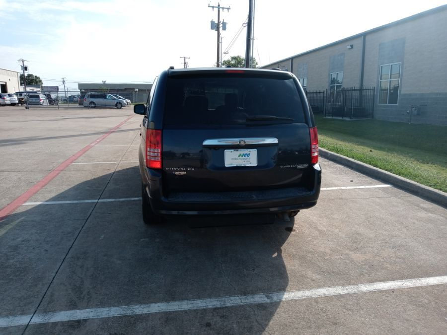 Blue Chrysler Town and Country image number 24