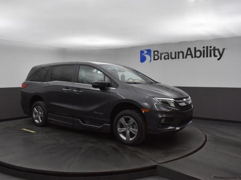 Gray Honda Odyssey image number 14