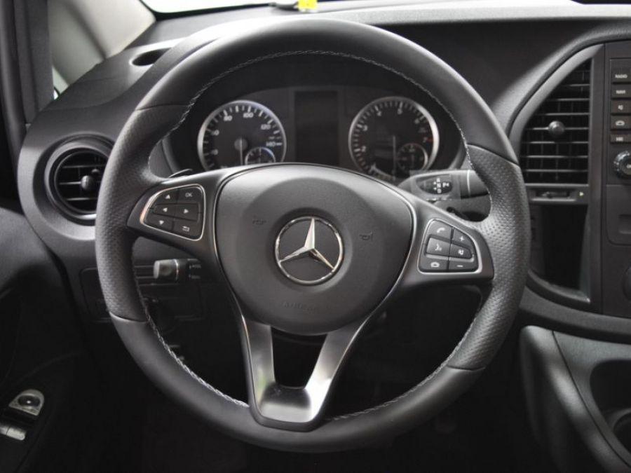 BLACK Mercedes-Benz Metris image number 11