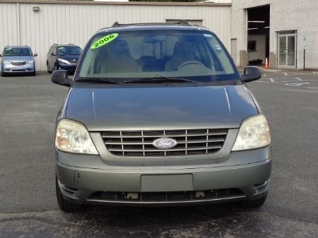 Green Ford Freestar image number 2