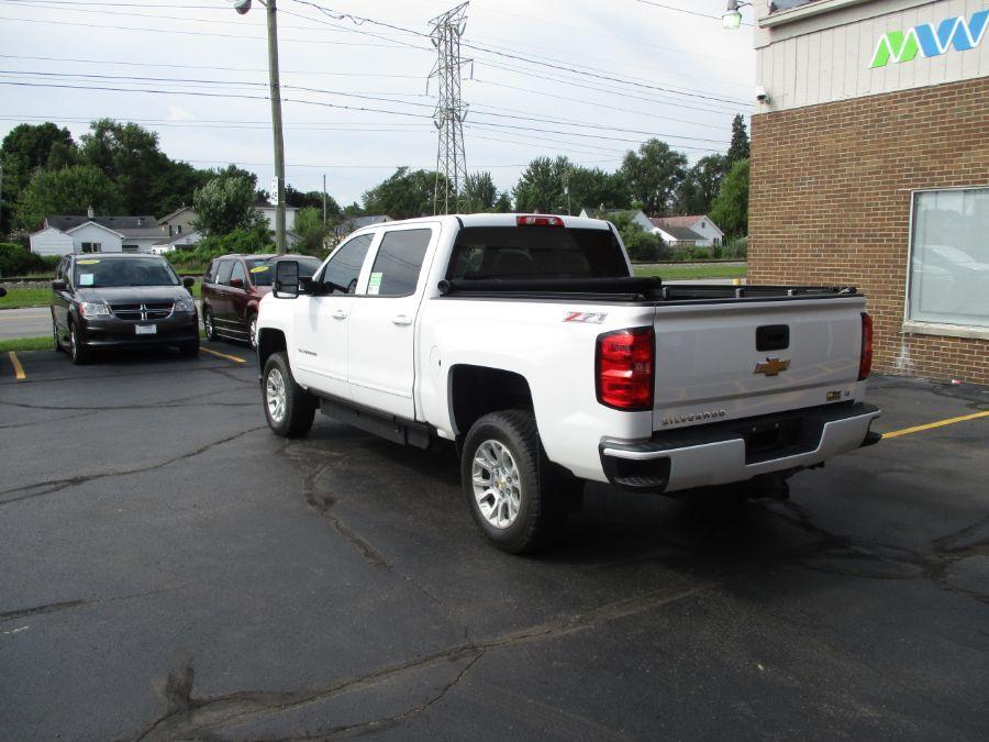 White Chevrolet Silverado 1500 image number 7