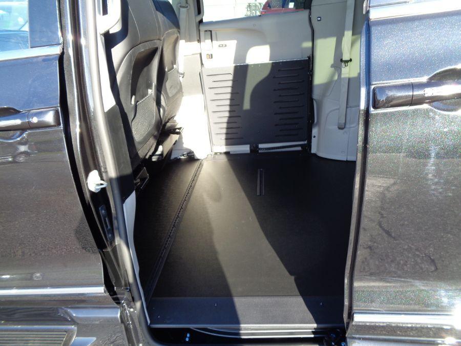 Black Chrysler Pacifica image number 10