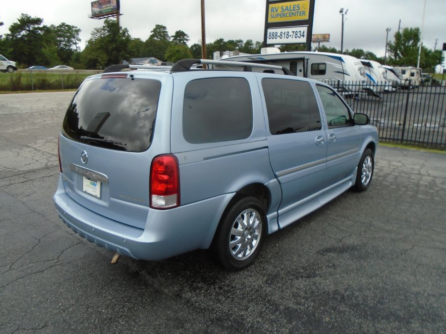 Blue Buick Terraza image number 11