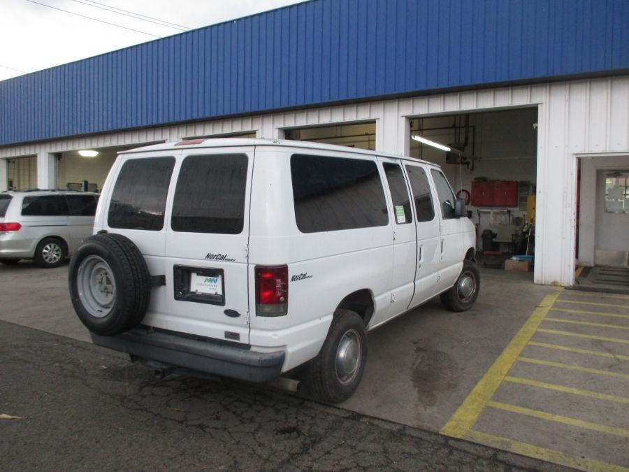 White Ford E-Series Cargo image number 6