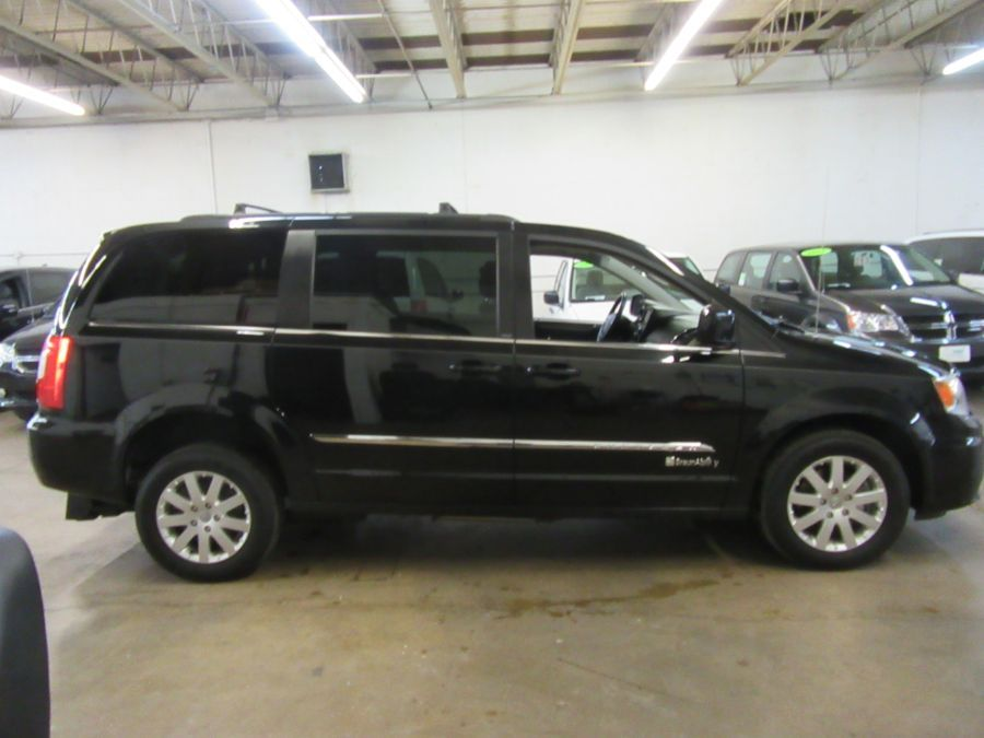 Black Chrysler Town and Country image number 2