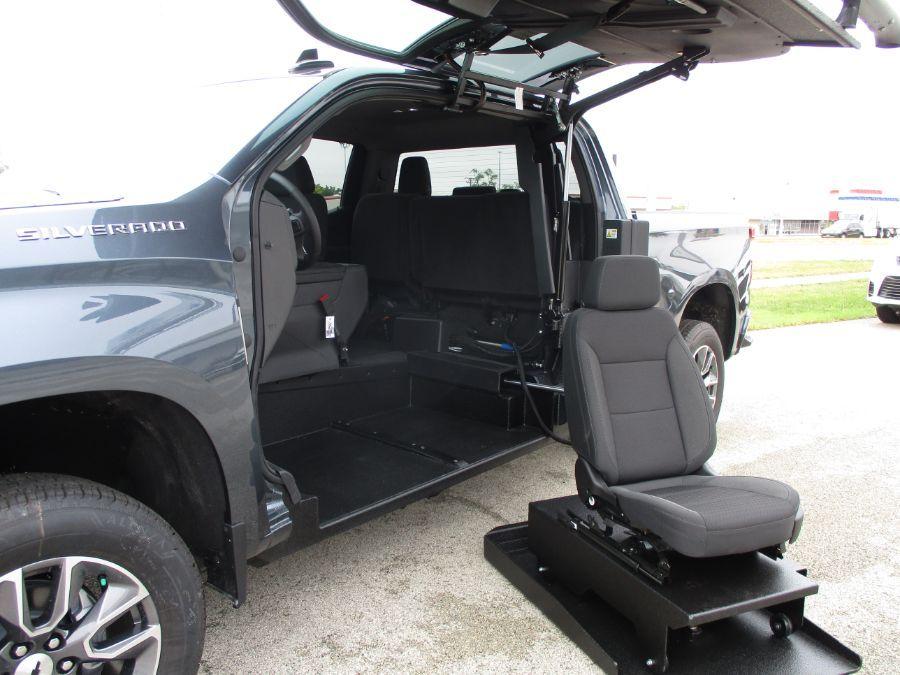 Gray Chevrolet Silverado 1500 image number 1