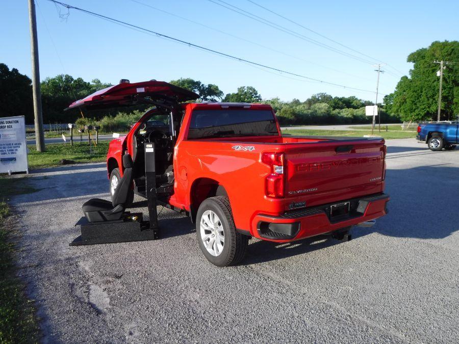 Red Chevrolet Silverado 1500 image number 1