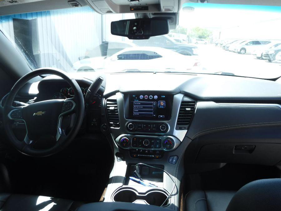 Black Chevrolet Tahoe image number 11