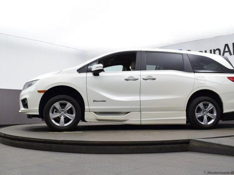 Honda Odyssey image number 16