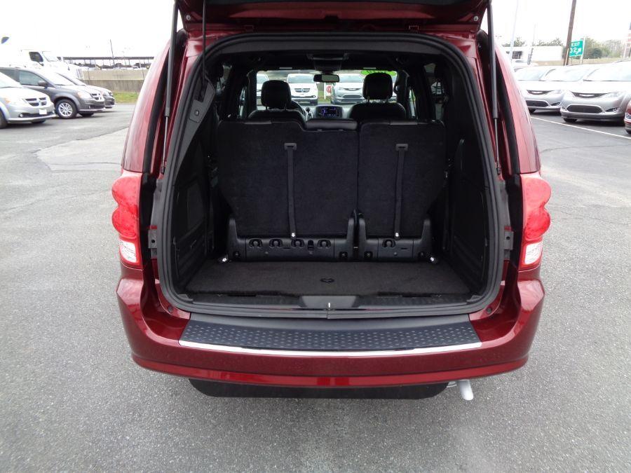 Red Dodge Grand Caravan image number 14