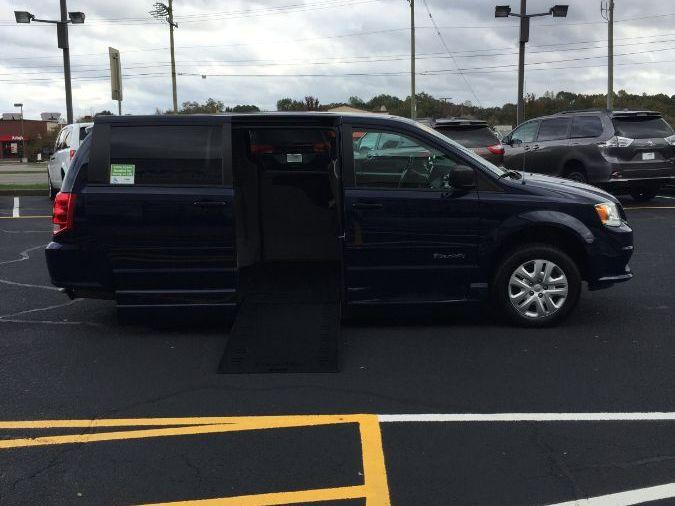 BLUE Dodge Grand Caravan image number 8