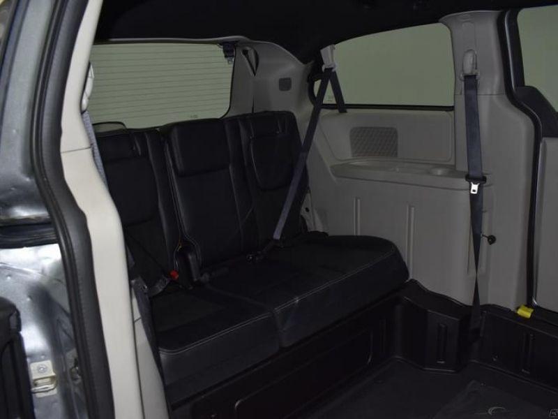 Silver Dodge Grand Caravan image number 8