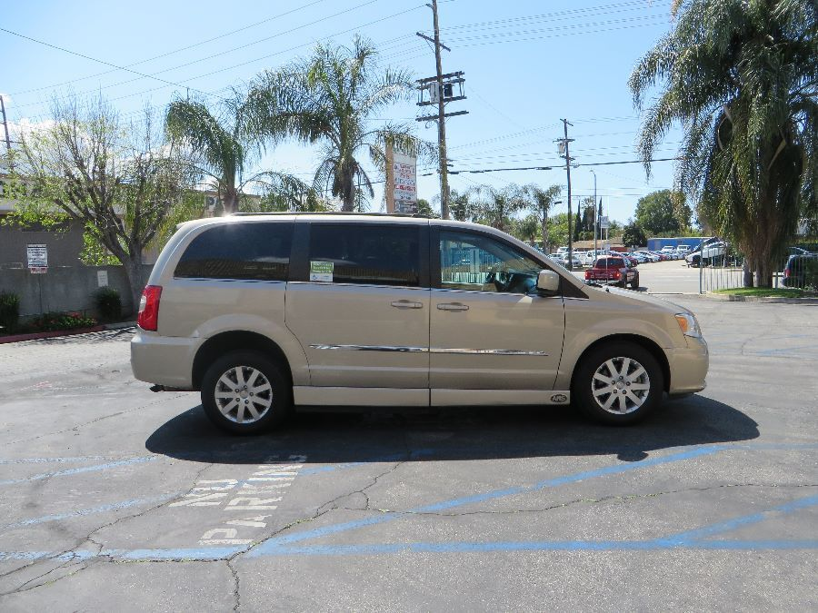 Gold Chrysler Town and Country image number 8
