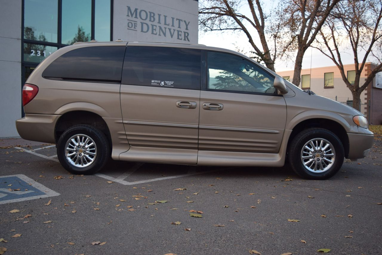 Pre-Owned 2002 Chrysler Town and Country Limited