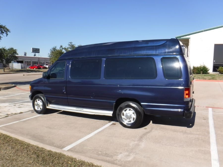 Blue Ford E-Series Wagon image number 6