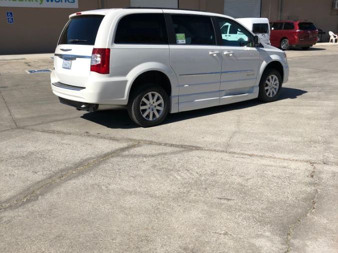 White Chrysler Town and Country image number 8