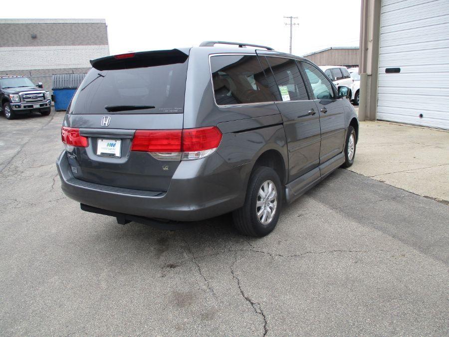 Gray Honda Odyssey image number 26