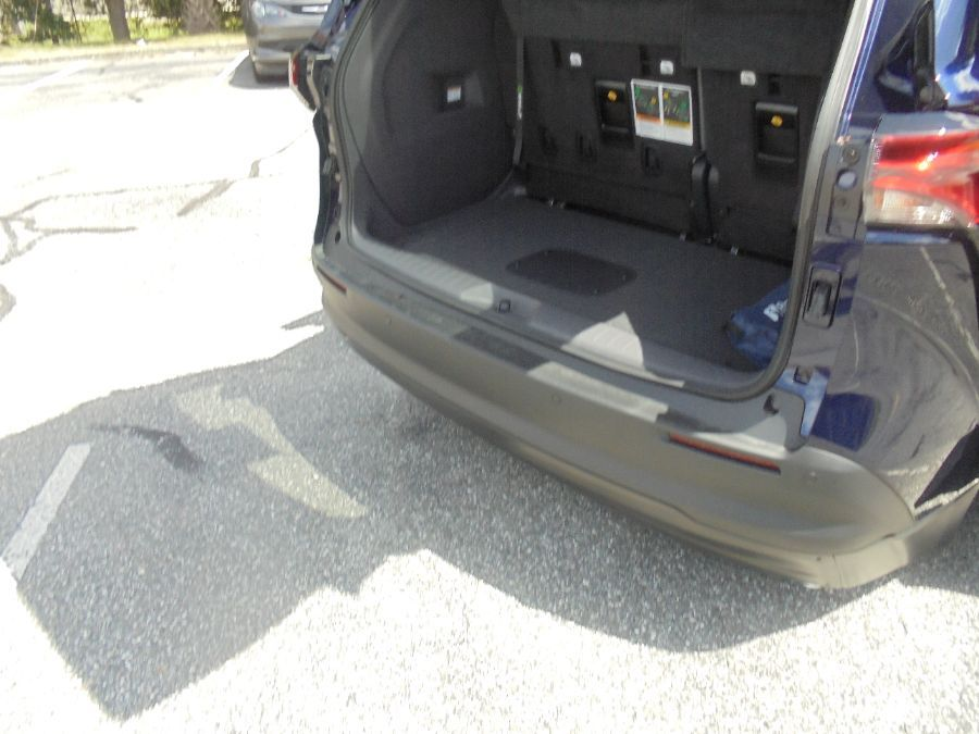 Blue Toyota Sienna image number 26