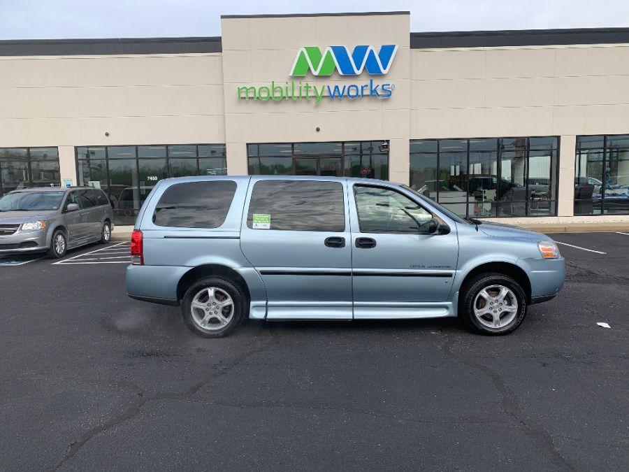 Blue Chevrolet Uplander image number 5