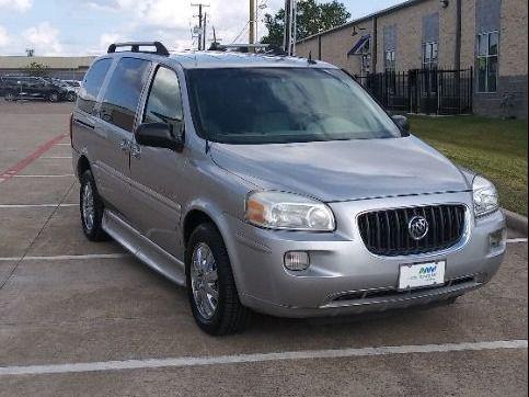 Silver Buick Terraza image number 15