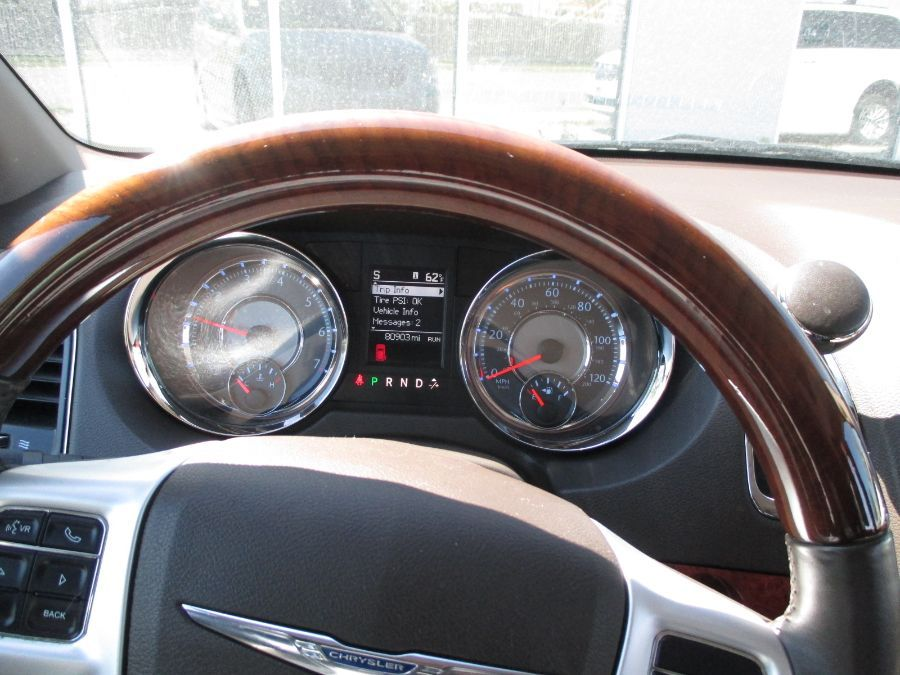 Brown Chrysler Town and Country image number 20
