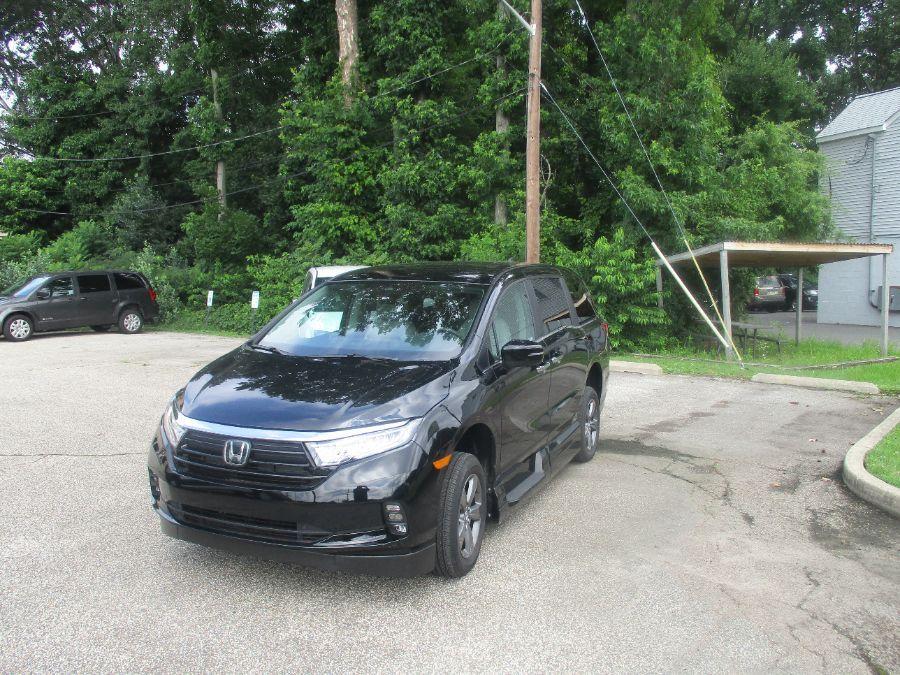 Black Honda Odyssey image number 4