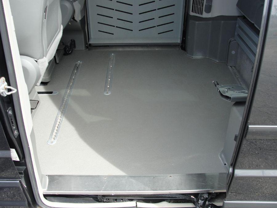 Gray Volkswagen Routan image number 16
