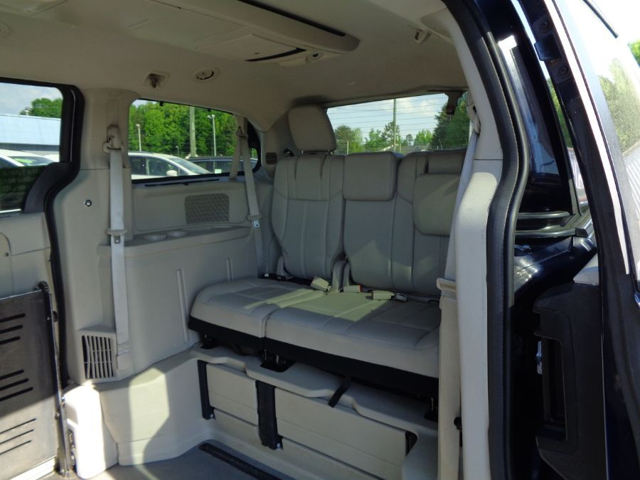 Blue Chrysler Town and Country image number 14