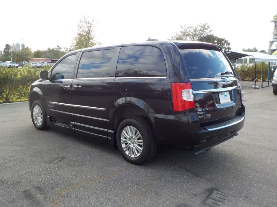 Black Chrysler Town and Country image number 4