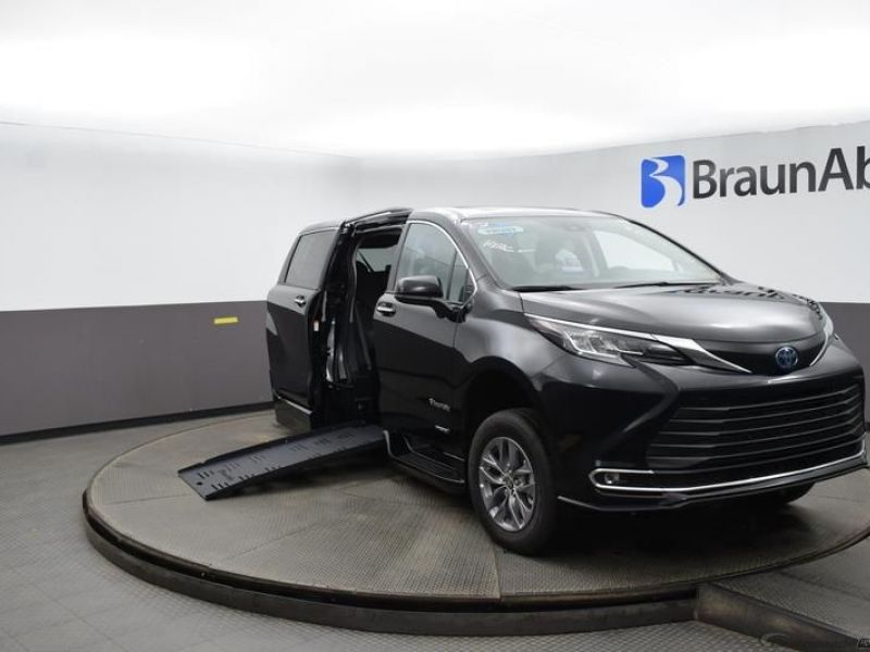 Black Toyota Sienna with Side Entry Automatic Fold Out ramp