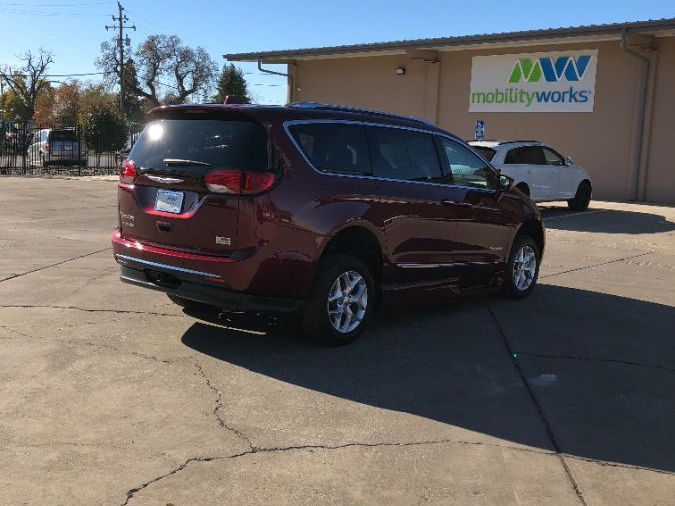 Red Chrysler Pacifica image number 8
