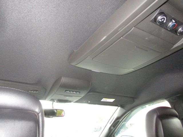 Silver Dodge Grand Caravan image number 19