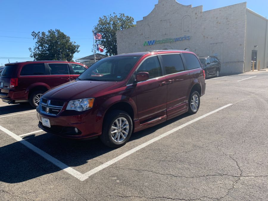 Red Dodge Grand Caravan image number 11