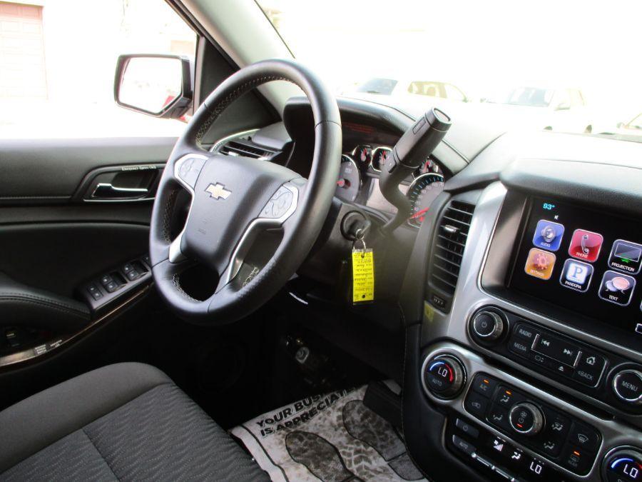 Gray Chevrolet Suburban image number 12