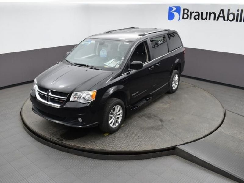 Black Dodge Grand Caravan image number 21